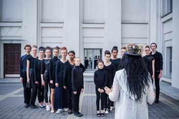 Модельная студия Дизайнера SUZANNA MIRZOYAN BARSEGIAN проводит парней и девушек на обучение Модельному искусству  - d89lcJsAUEg.jpg